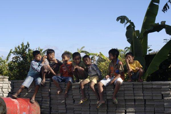Kids of the neighbourhood
